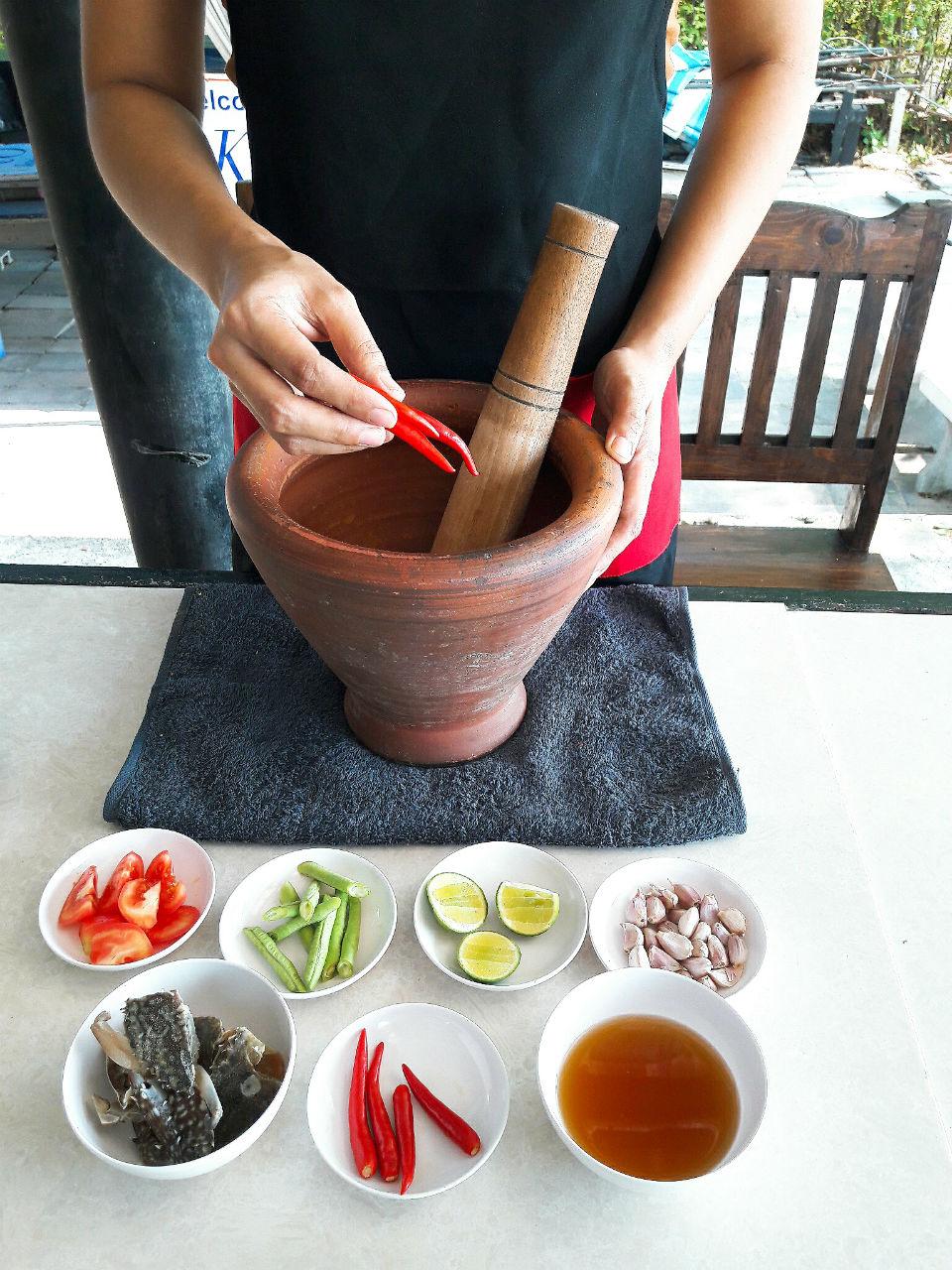 วิธีทำส้มตำปูม้าดอง หัวหิน